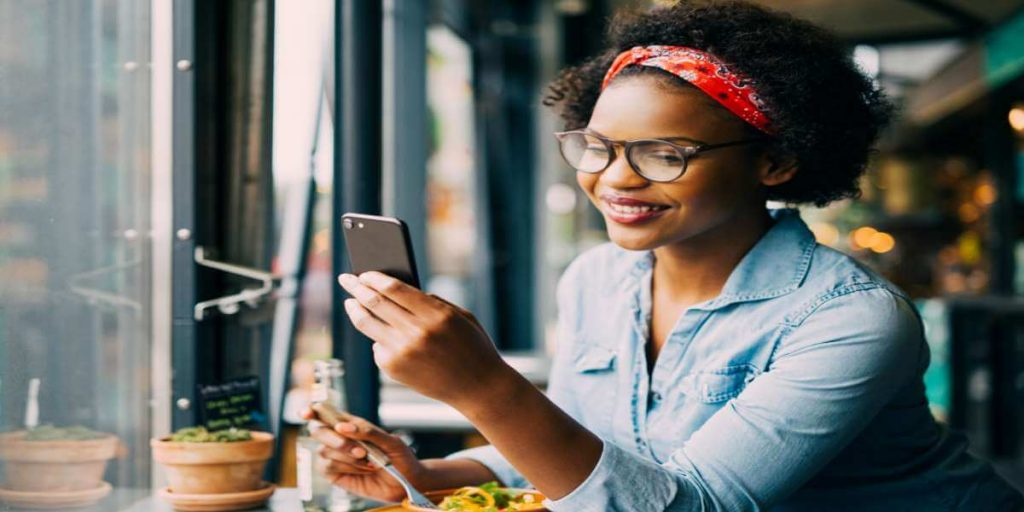 Customer-using-cell-phone