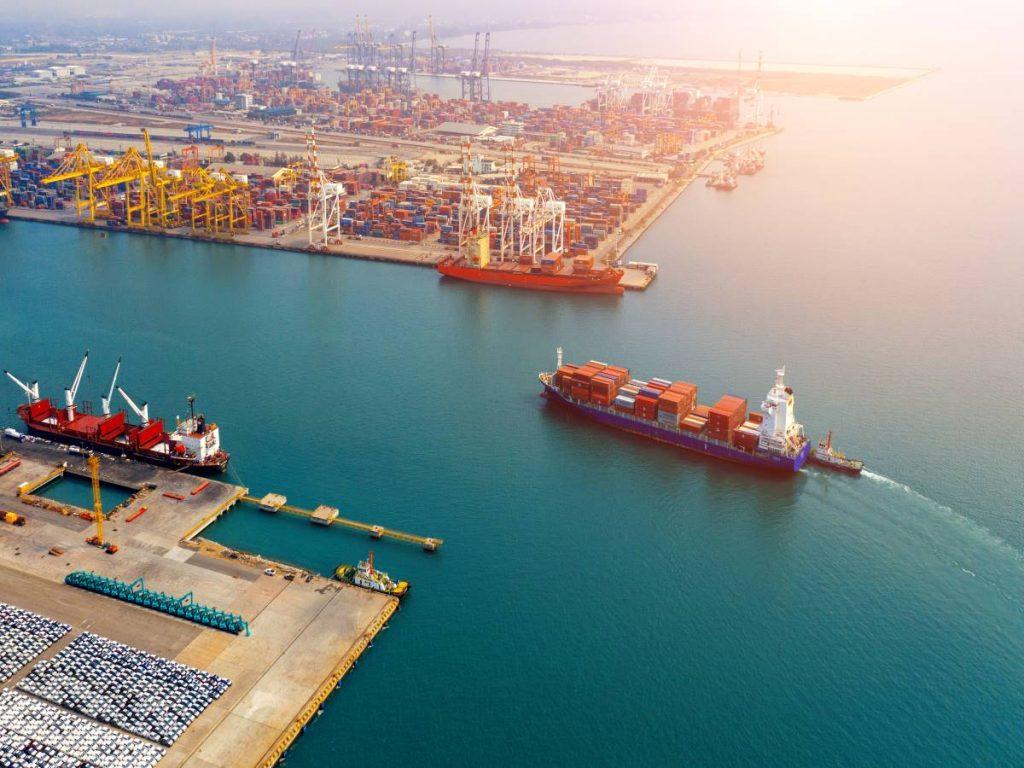 Cargo-ship-coming-into-port